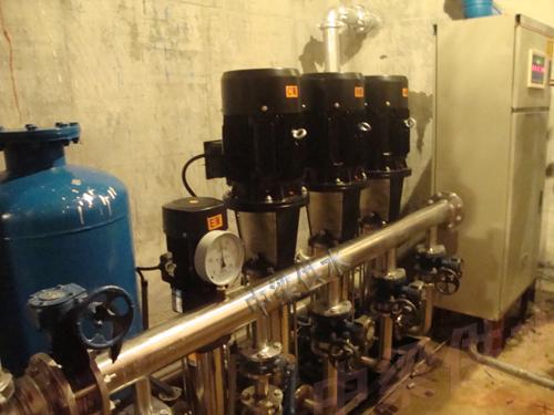 系统由旁通止回阀向用水管网直接供水;当自来水管网压力不能满足用水图片