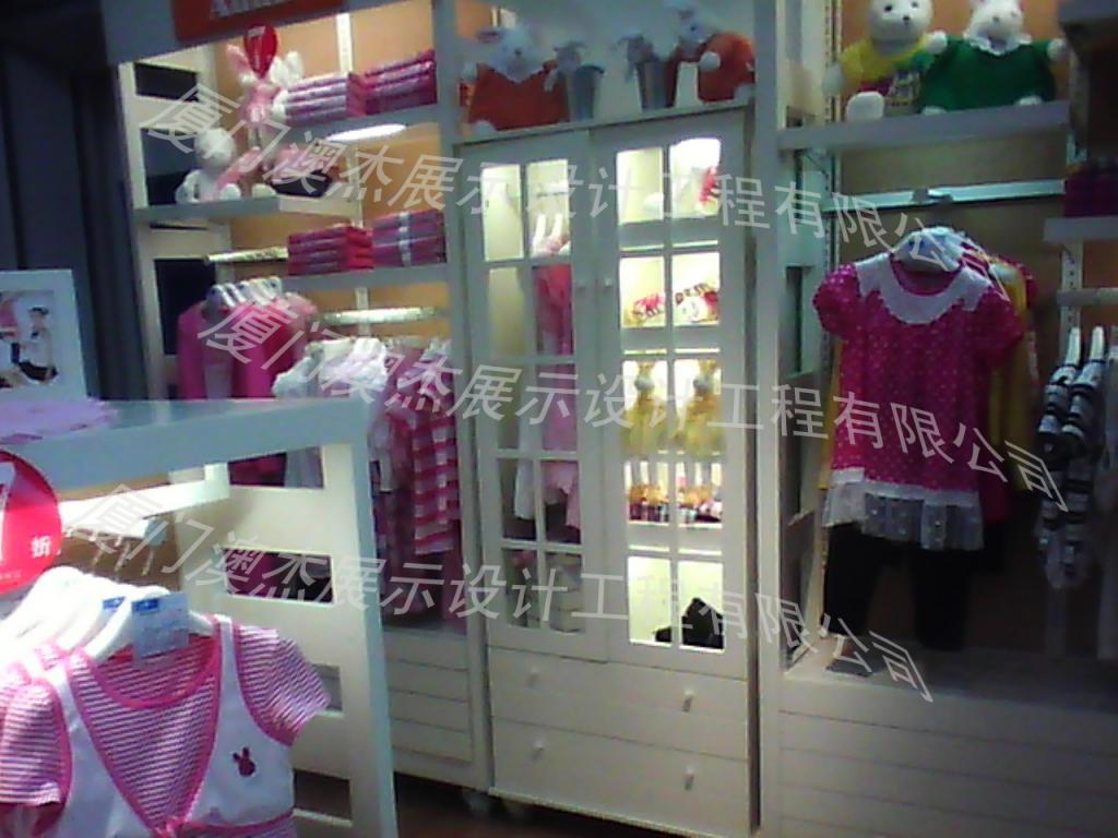 服装展示柜设计制作,童鞋展柜,厦门澳杰展柜设计