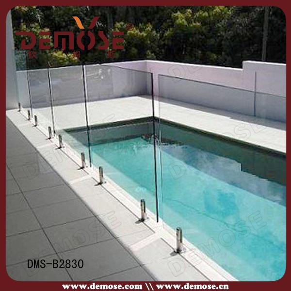室外露臺玻璃泳池欄桿
