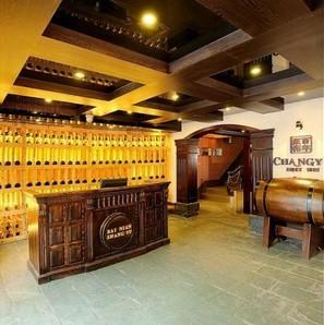 江苏苏州酒窖酒架公司提供葡萄酒架