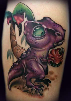 卡通小恐龙纹身是可爱的个性展现