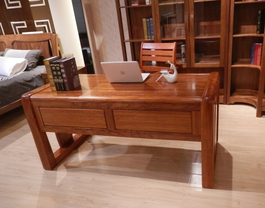 千木楪胡桃实木家具在设计上圆润美观,款式新颖.