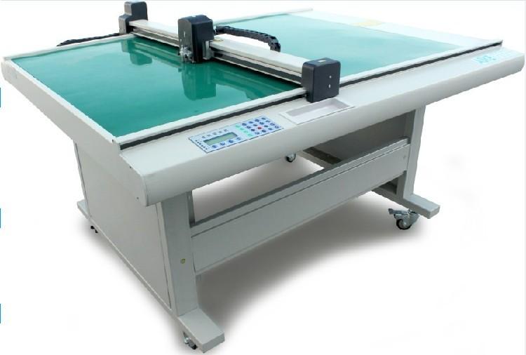 厂家供应保护膜材料模切打样机电脑自动刀片模切割样