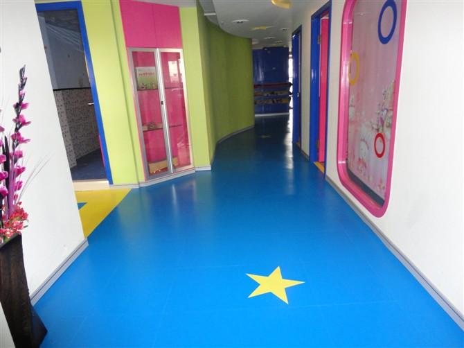 幼儿园卡通塑胶地板山东济南专卖店