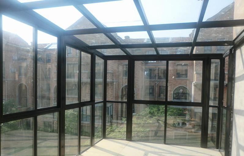 阳光房按结构分类:钢结构阳光房,铝结构阳光房,钢铝结构阳