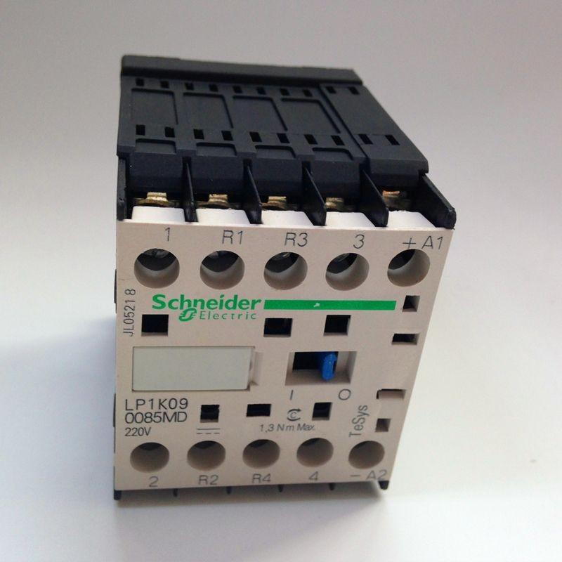 乐清市巨优电气有限公司为您提供电梯专用微型接触器LP1K090085MD。性能描述 • 提供6A,9A,12A,16A四种电流规格 • 提供多种规格:3极/ 4极,交流控制LC1K,直流控制LP1K,直流低功耗LP4,静音型LC7 • 可逆式: 交流控制LC2K,直流控制LP2K,直流低功耗LP5,静音型LC8 • 结构紧凑:宽度只有45mm,体积仅相当于D2系列接触器同等电流规格的一半。 • 具有四种接线方式选择: