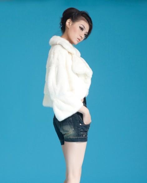 低价销售女士纯白普通款貂皮大衣可定做