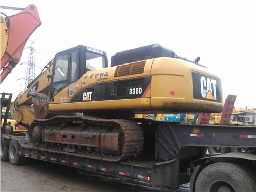 卡特329E挖掘机装车视频