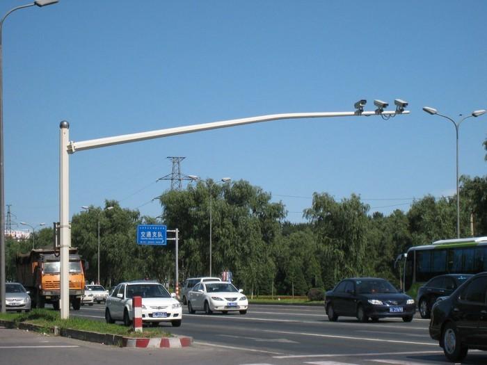 经销 来宾 新农村建设太阳能路灯 f型悬臂标志杆 3f型指路标志杆.wfzm88.13852780898