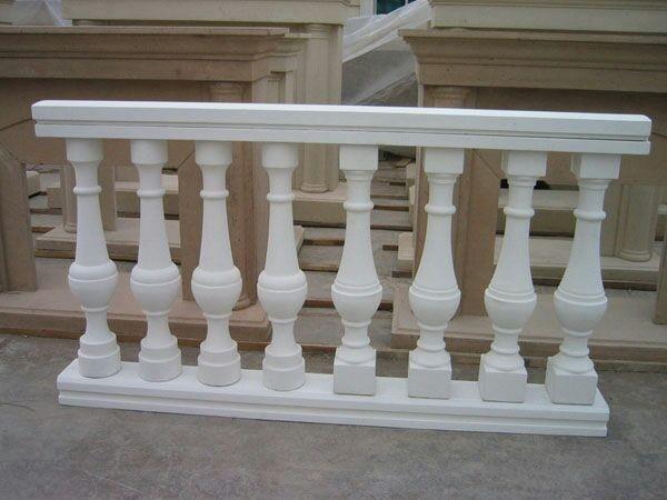 243.*       欧式构件强调对称感,整体建筑线条简洁,外观宏伟.