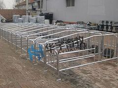 定位栏价位 优质的定位栏华宇畜牧设备供应