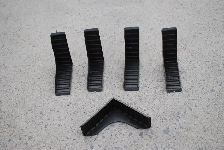 定制塑料包角:品质好的抛光砖包角广受好评