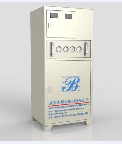 实验室纯水机多少钱、 东莞杰邦水处理专业定制