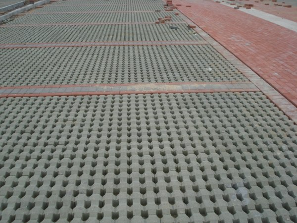 济南草坪砖厂家首选新顺兴、专业生产草坪砖的厂家【品种齐全】