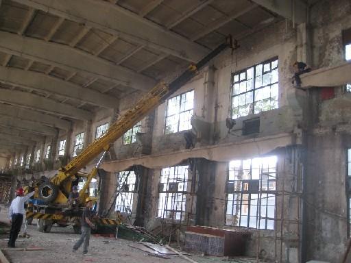 为各种规格的混凝土结构构件如:15-30米砼折线屋架,9-18米砼薄腹梁,空