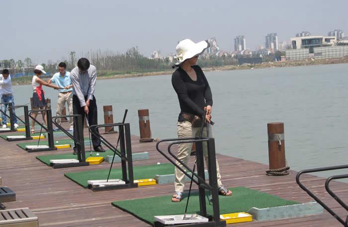 水上高尔夫