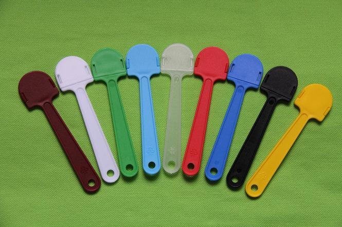 厂家大量现货批发扇柄、塑料扇柄、环保广告扇