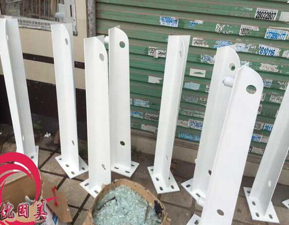 深圳钢结构牛腿雨棚钢梁厂家