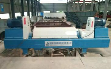 供应陶瓷行业污水处理配套设备 卧螺离心脱水机