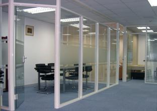 【】杭州装饰办公玻璃高隔断厂家、杭州办公室隔墙装修