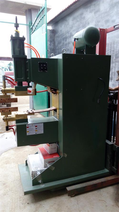 专业可靠的排焊机、�N晟焊机倾力