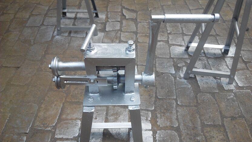 金溪县彩钢板手动折弯机电动卷圆机厂家