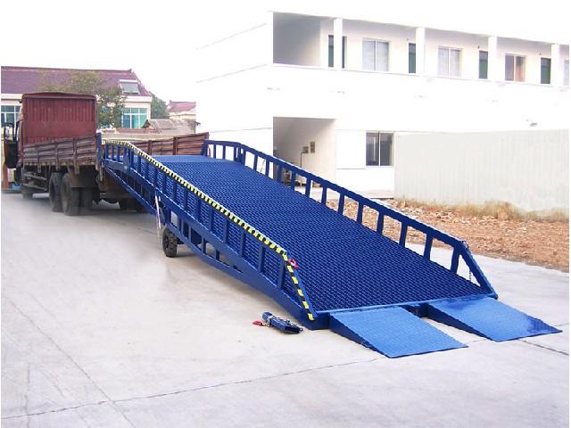 定制移动式登车桥想买价位合理的移动式登车桥、就来法得尔物流设备