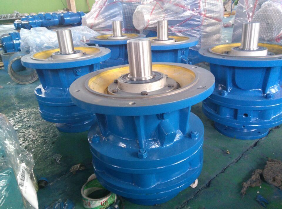 、环保机械、输送设备、化工设备、冶金矿山设备、钢铁电力设备等。 xled8230c摆线针轮减速机 8000两级立式双轴摆线减速机:XLE8075A、XLE8085A、XLE8095A、XLE8105A、XLE8115A、XLE8115B、XLE8130A、XLE8130B、XLE8130C、XLE8135A、XLE8135B、XLE8135C、XLE8145A、XLE8145B、XLE8145C、XLE8160A、XLE8160B、XLE8160C、XLE8165A、XLE8165B、XLE8165C、X