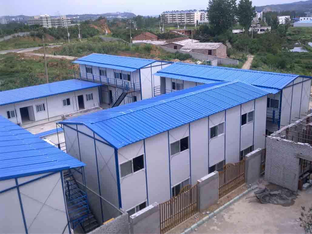 公司主营:钢结构厂房,彩钢活动房,活动板房,雅致房,轻钢结构,钢结构