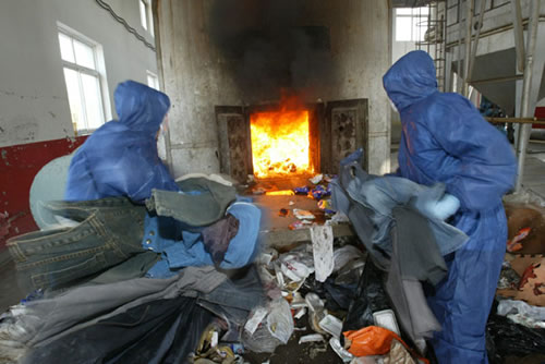 库存进口外贸服装现场焚烧、伪劣服装哪里销毁焚烧、儿童服装需要焚烧处理销毁