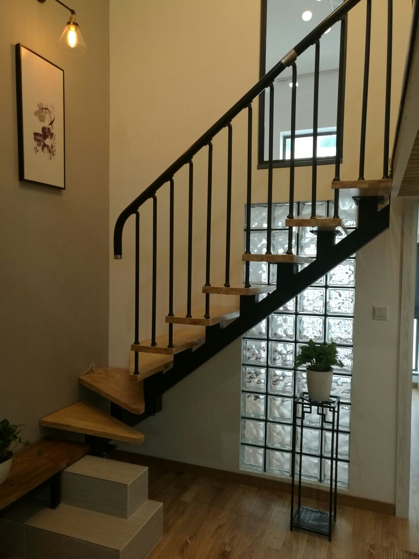 苏州九步凯跃 实木烤漆钢木楼梯将军柱全屋定制钢架楼梯