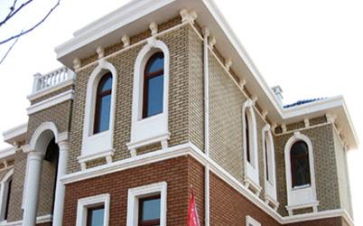 欧式建筑内外装饰grc系列产品,主要产品有罗马柱,门套,窗套,各种檐线