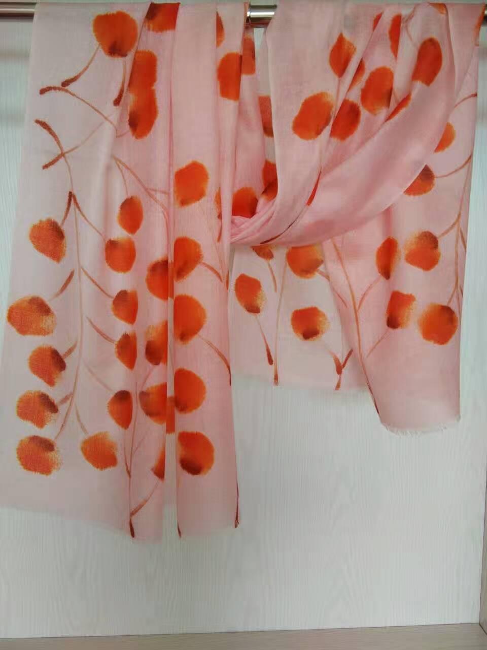 手绘羊毛围巾、山东手绘羊绒围巾价格