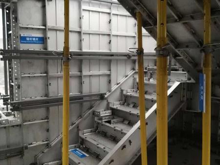 山西铝模板、山西铝模支撑体系、山西铝合金建筑模板供应商适中的山西铝模板