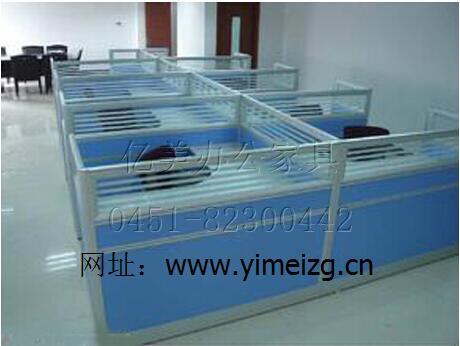 哈尔滨公寓床、办公桌厂商13936135581、学生桌椅批发
