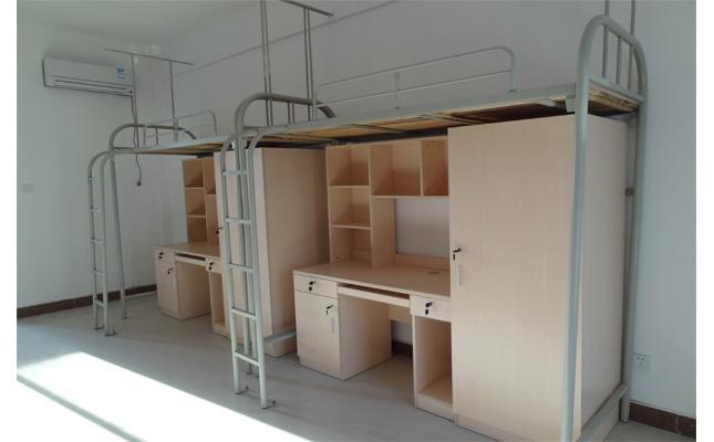 大学生的宿舍床在长度上面有南北区别,一般北方的要比南方普遍长图片