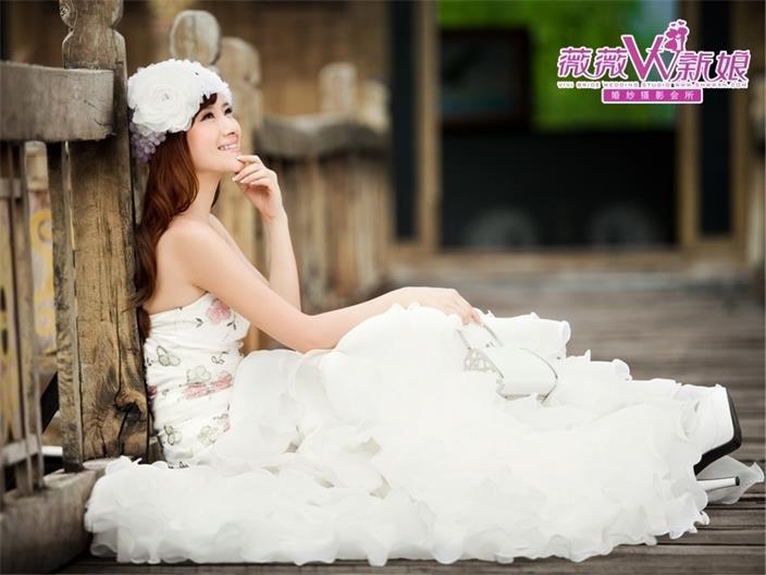 婚纱摄影工作室周到的薇薇新娘婚纱摄影就在四会薇薇新娘