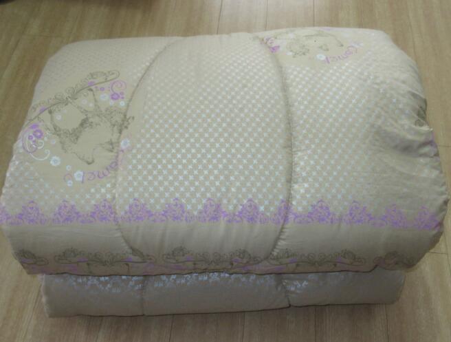 新款紫色印花驼绒被 驼绒被图片 驼绒被价格