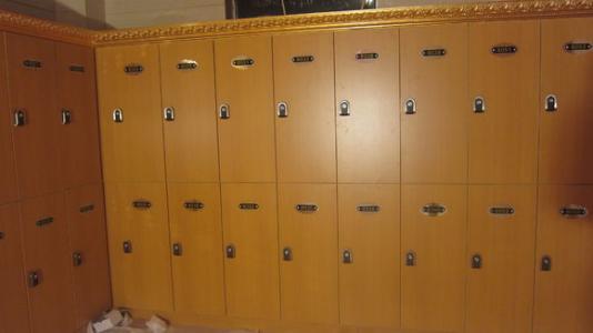 更衣柜定做manbetx登陆怎么买优质木质更衣柜