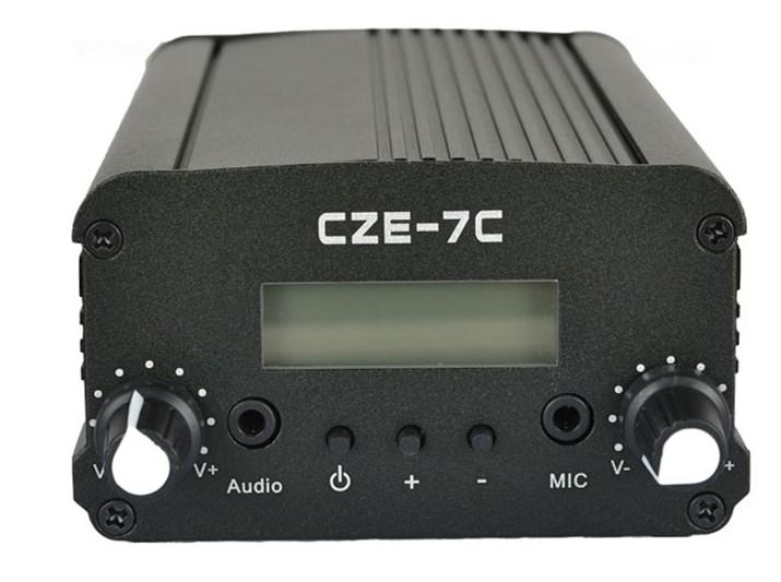 MP3车载发射机 CZE-7C 立体声调频发射机调频1W/7W广播调频发射