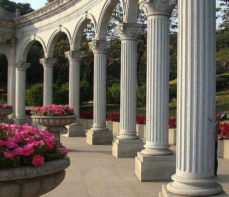 欧式建筑装饰品系列:有罗马柱,柱头,梁托,磨菇石:山花;檐线,腰线