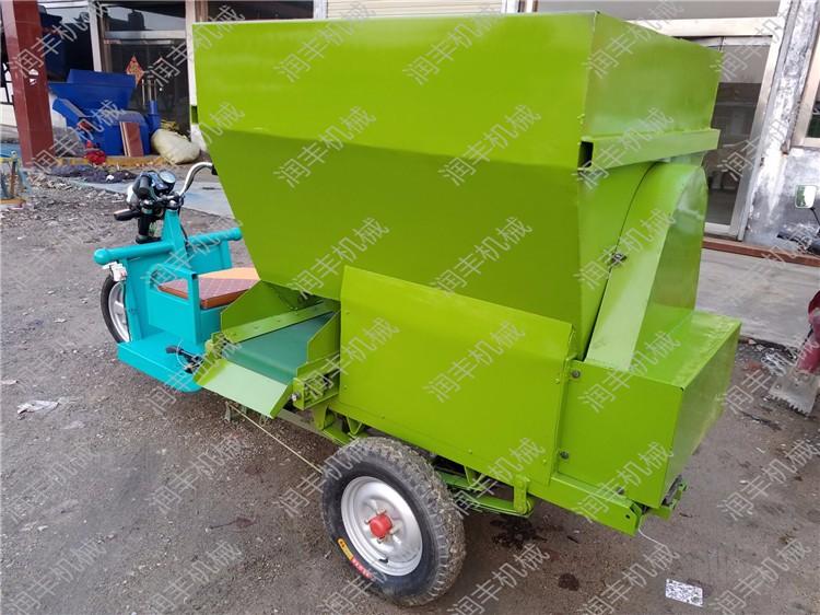 伊宁专业饲料撒料车生产厂家伊宁按要求加工撒料车