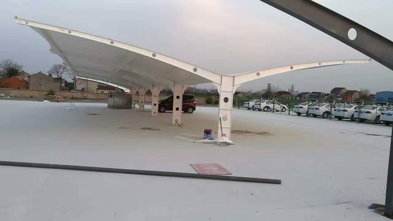 正宁拉杆式停车棚uu7膜结构停车棚ll130-7578-3666