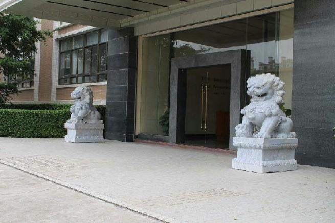 云南有石狮子厂家吗云南湛华石雕厂