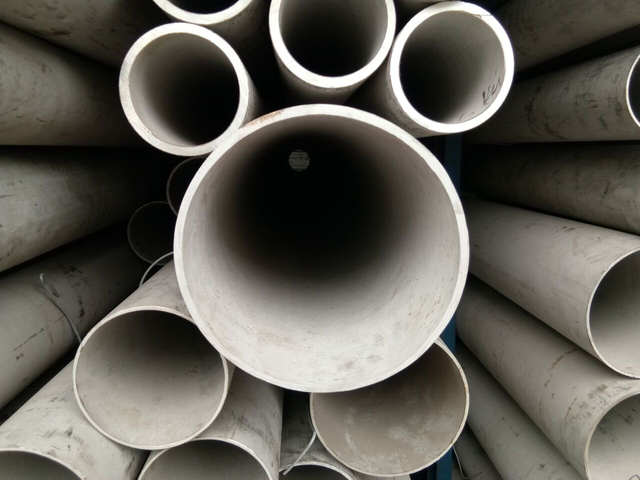 大口径不锈钢方矩管不锈钢50×27毫米无缝钢管