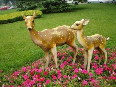 现货玻璃钢梅花鹿雕塑 仿真动物 城市公园 园林装饰品