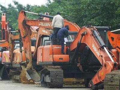 兰州哪里有提供划算的挖机维修 甘肃大型发电机组维修