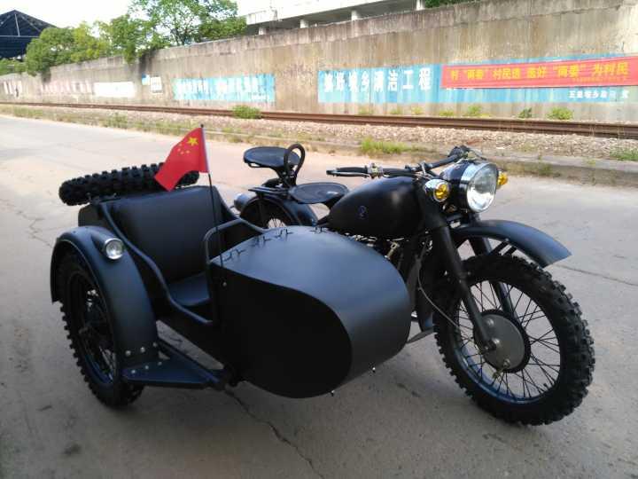 长江款750边三轮摩托车 德国灰 大花胎 小旗杆 宝马标
