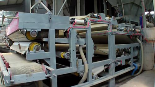 污泥压滤机干化效果好、不会造成二次污染