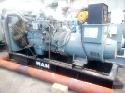 重庆发电机回收青青草网站哪家好、重庆大型发电机回收